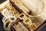 Як здати золото в ломбард: практичні поради