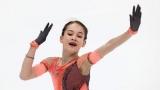 С тремя четверными прыжками и тройным акселем: как Акатьева одержала вторую победу на этапе юниорского Гран-при