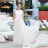 Біла довга спідниця: з чим носити?