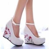 Танкетка - це зручна і модне взуття