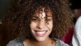 Спіральна хімічна завивка волосся