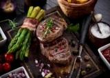 Well done під забороною: лікарі не рекомендують їсти сильно просмажене м'ясо з однієї причини вбивчою