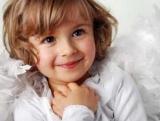 Ім'я для дівчинки з по батькові Денисівна. Характеристики відповідних імен та їх вплив на долю